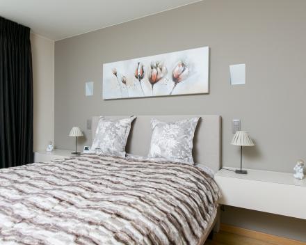 slaapkamer met nachtkastjes